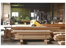 木製品の機械加工オペレーター