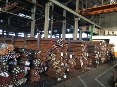 40歳以上、ゼロからのスタートも歓迎!鋼材のルート配送スタッフ