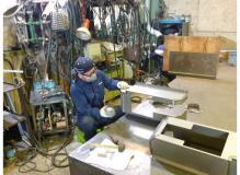 工作機械部品の溶接作業(動画有り)