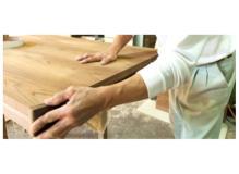 未経験から始める木製テーブルの製造スタッフ