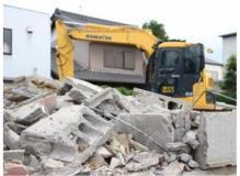 ①営業スタッフ、②産業廃棄物運搬ドライバー、③解体スタッフ