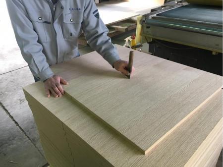 未経験スタート積極採用!天然木の加工・貼り付け・仕上げ等の軽作業