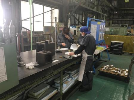 鉄・ステン・アルミの板金加工作業