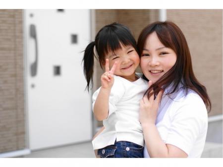 子育てママ活躍中の部品をケースに並べる作業(動画有り)