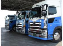 JFE構内での4tトラックドライバー