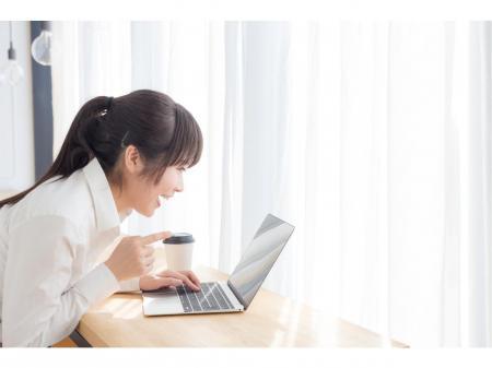 ☆勤務時間・お休み選択可能☆バックヤードでの書類作成、電話応対など
