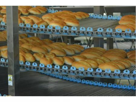 日勤・夜勤選択可/大手製パン会社でのパンの仕分け作業