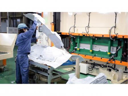 自動車の内装に使われる部品の製造