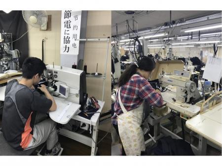 学生服の縫製!!男女共に活躍!!(動画有り)