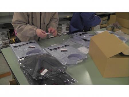 学生服の出荷やミシンでの縫製