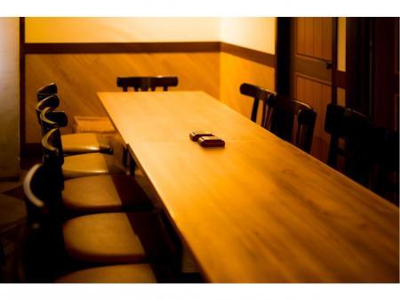 ずっと安心して働ける飲食系正社員求人☆人気肉バルでのホール・キッチンスタッフ(店長候補)