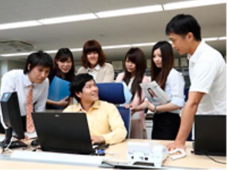 待遇・働きやすさが魅力のシステム開発会社でのプログラマー