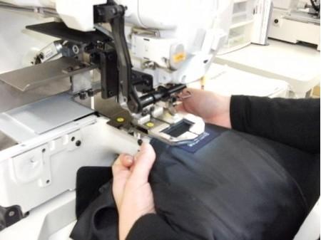 学生服のネーム刺繍に関するデータ入力とカンタンな機械操作