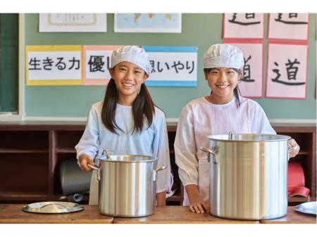希望の時間帯が選べる学校給食センターでの調理補助