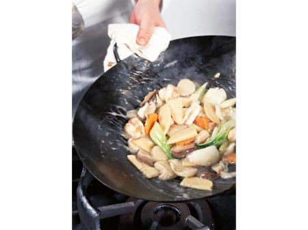 コンビニ等に出荷するお弁当や惣菜の調理
