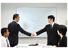 営業経験者の作業風景