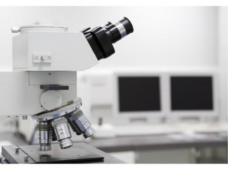 化学分析機器を使っての分析業務