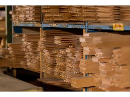 モノづくりがおもしろい木製キッチン扉の提案営業