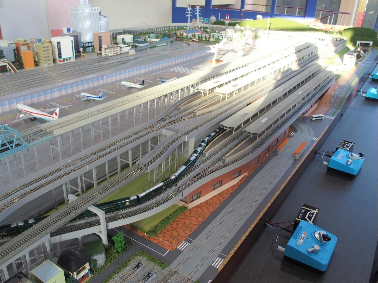 鉄道模型を走らせるための装置の保守やメンテナンスなど