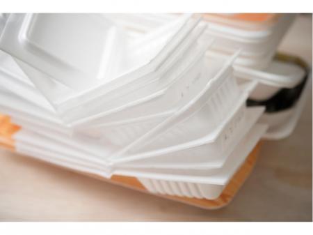 午後から勤務の食品トレイ数量チェック及び箱詰めなど工場内作業