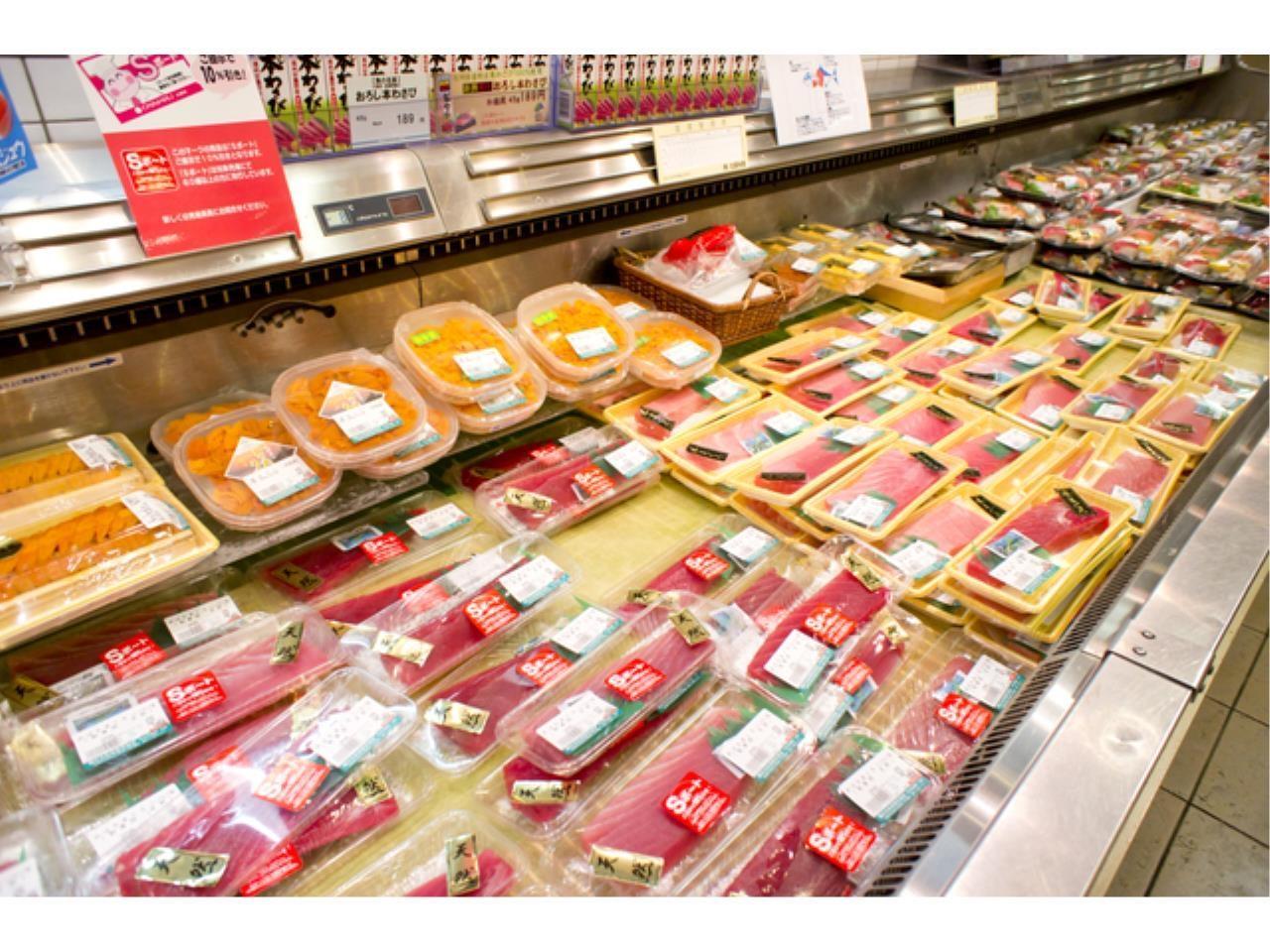 スーパーマーケット本部での仕分けやカンタンな食品加工