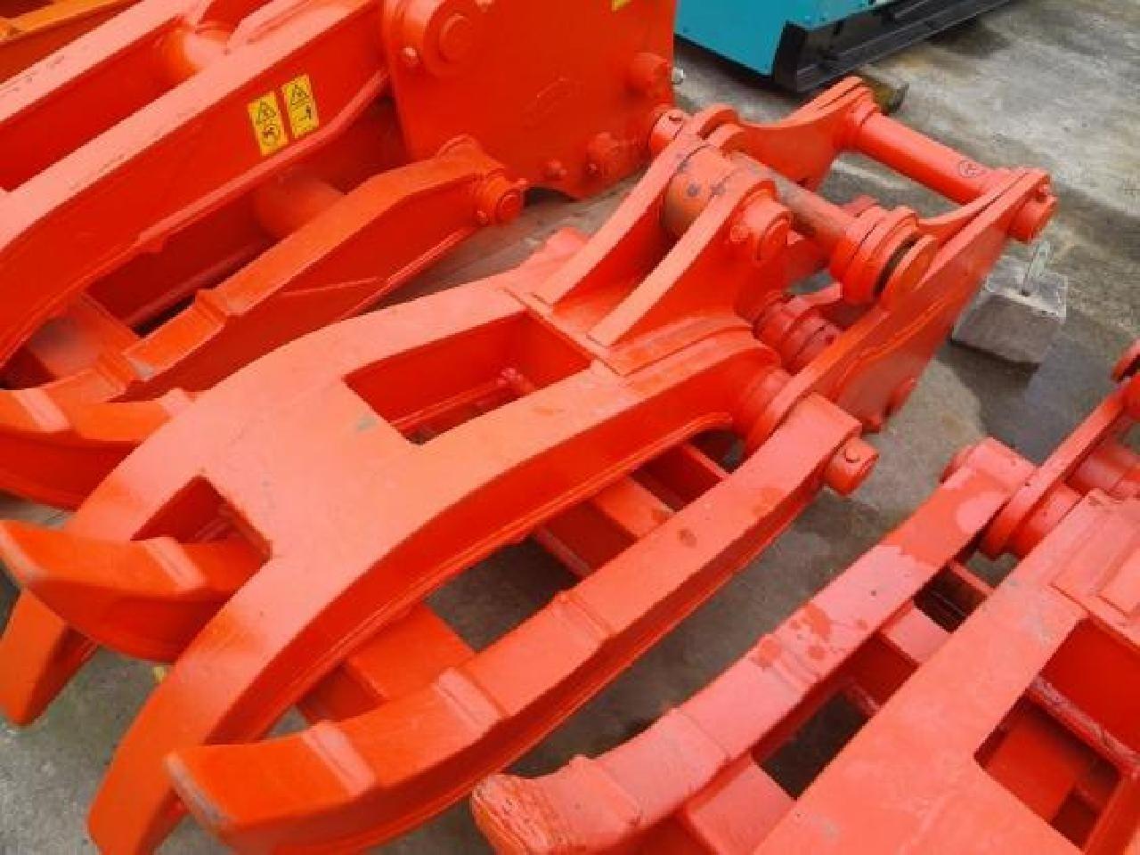 短期で働く建設機械部品の塗装スタッフ