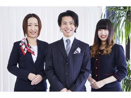 女性向け仕事服専門メーカーでのデザイナー(チーム長候補)