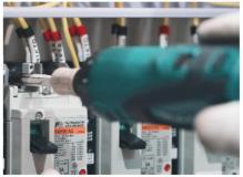 経験を活かして活躍 受配電設備メーカーでの組立配線作業