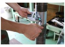 工場が円滑に作業できる環境を整備する工務スタッフ