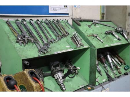 工場内の生産を裏方として支える設備保全