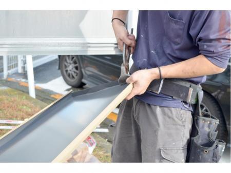 人のいいおっちゃん達から学ぶ屋根や外壁などの取り付け工事スタッフ